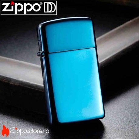 Zippo Sapphire Slim este un zippo pretios cu sclipiri de safire. Chromul clasic a fost acoperit cu un albastru intens, pentru a oferi un caracter metalic si luminos. Acum poti sa ai si accesoriul perfect si o bijuterie atragatoare, cu un singur Zippo.