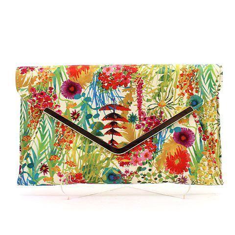 CLUTCH-ME 2 clutch in floral. #mybetsonBetts #BettsRaceDayReady #BettsShoes