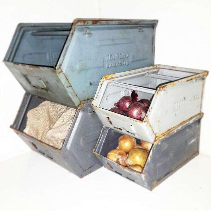 Magazijnbakken kisten van #Loodz88  Ideaal voor je voorraad groenten/aardappelen/uien etc, maar ook leuk om tijdschriften in te bewaren!