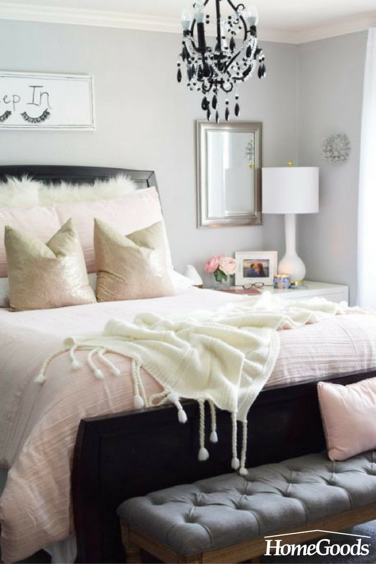 Romantic? Feminine? Perfect for summer. This bedroom refresh shows that pale pink bedding paired with soft textures is an inviting combination. More on the blog!