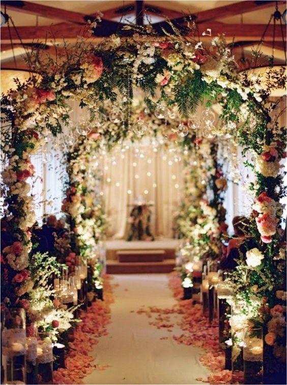 Arco de Flores na Decoração de Casamento | Dicas de como usar - Portal iCasei Casamentos