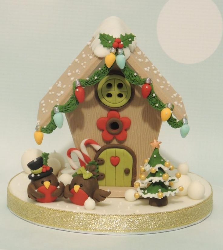 Christmas Robin Birdhouse Topper - Cake by Shereen