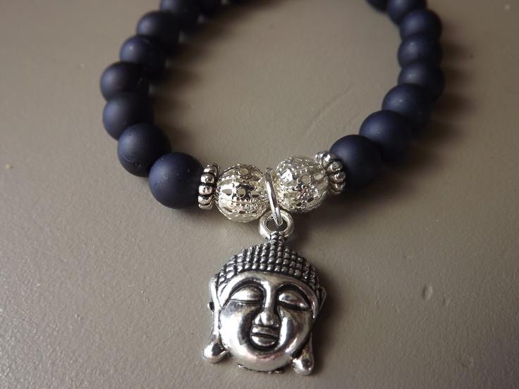 Armbanden met buddha bedel. Te koop voor 2,50 bij pedicure praktijk leersum of via de webshop: www.mijnwebwinkel.nl/winkel/voetsier/