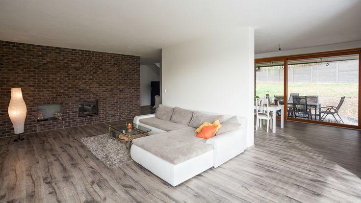 Propojení obývacího pokoje, jídelny a zahrady. Líbí se Vám takové otevřené prostory? www.navlacil.cz