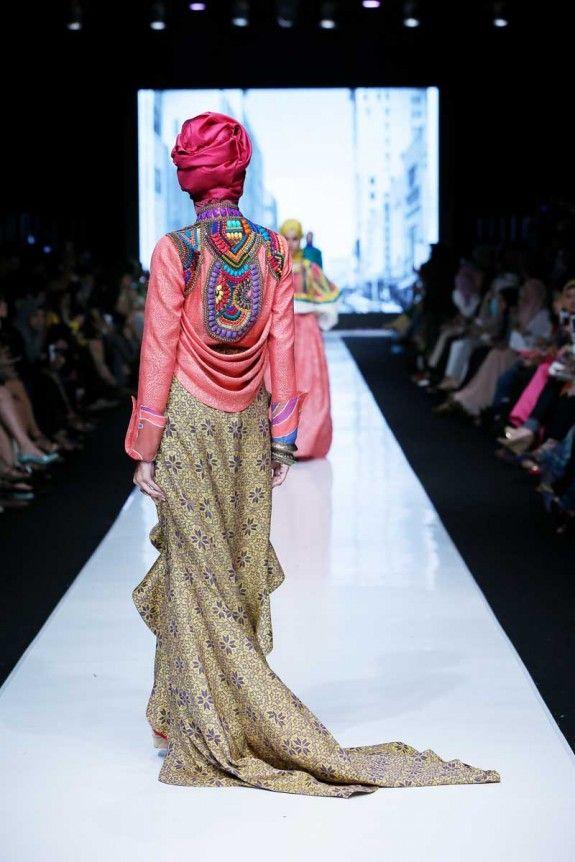 Dian Pelangi SS 2014. Jakarta Fashion Week