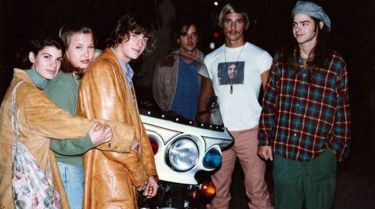 Christine Harnos, Joey Lauren Adams, Jason London, Richard Linklater, Matthew McConaughey and Rory Cochrane on-set of Dazed and Confused (1993)