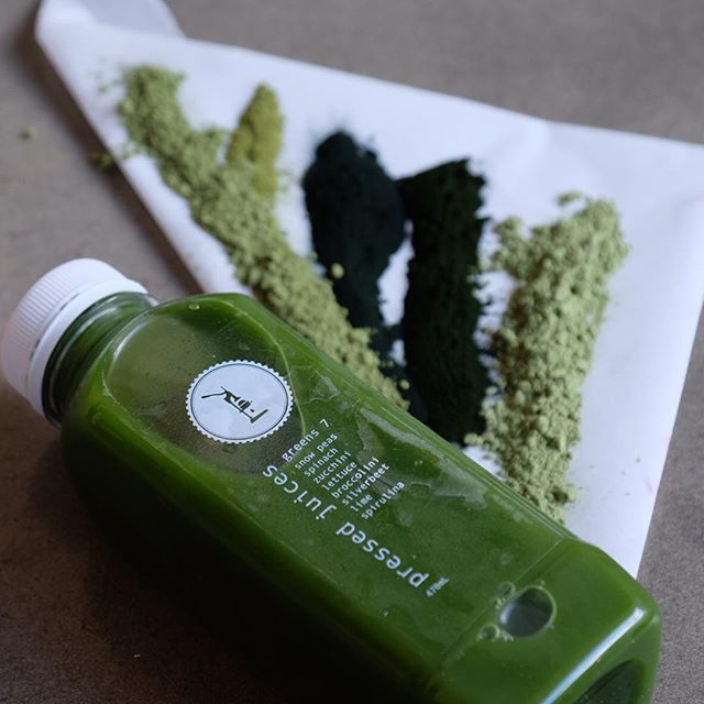 When I want to feel my best I love a green juice and one of my favourites is greens 7 from @pressedjuices, today I have added spirulina, chlorella, wheatgrass, barley grass and matcha green tea powder for an extra boost! #greenjuice #greens #health #superfoods #nutrition #alkalising #matcha #spirulina #healthcoach