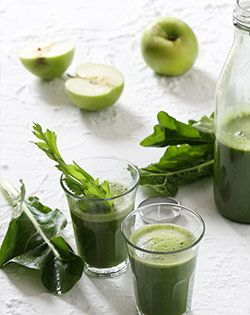 Popeye's Green Juice with Spinach