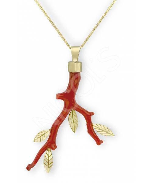 Collar de Coral TODO AL ROJO NICOL´S. Colgante en forma de rama con cuatro hojas. Fabricados en rama de coral natural color rojo con incrustación de cuatro hojas con nervios en oro amarillo y cadena de oro amarillo. Pieza única por ser la rama única.