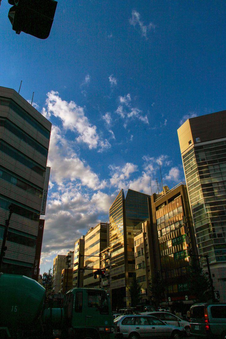 https://flic.kr/p/DDMscv | 깨끗한 하늘과 빌딩 : clean | 비가 한번 지나간 후에 나온 깨끗한 하늘과 햇살이 도심을 지나가면서 묘한 매력을 보여줍니다.