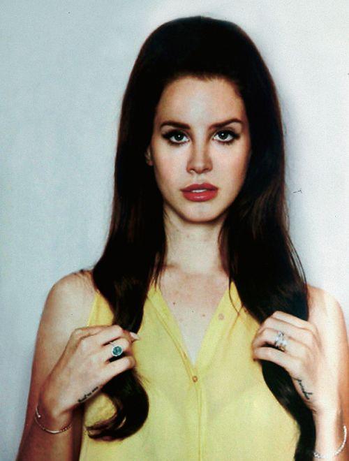 Lana Del Rey Off Duty Street Style Inspiration