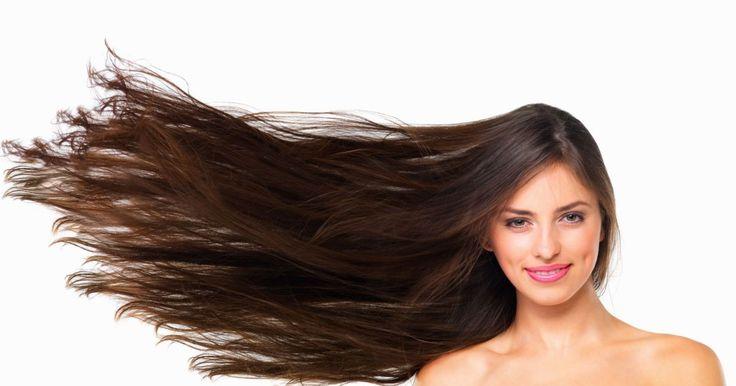 ¿Qué personalidad reflejas según tu color de pelo? En general las mujeres demuestran tener un elevado concepto de sí mismas en función del color de su cabello, aunque son las mujeres con tonos castaños las que citan menos aspectos positivos de sí mismas. - Lasmorenas: son consideradas mujeres con temperamento, seguras de sí mismas, autosuficientes, inteligentes y con estilo.
