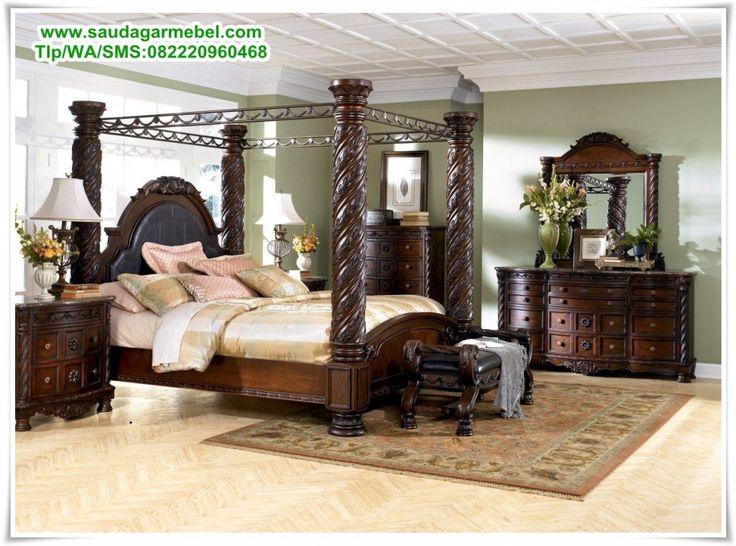 Set Tempat Tidur Jati Jepara Terbaru – Interior Rumah bertipe Eropa Modern paling lengkap jika dibagian Tempat Tidur dilengkapai Furniture yang bergaya Eropanan. Seperti yang terlihat di gambar tersebut, Konsep Tempat Tidur yang menawarkan arsitektur seni sangat tinggi.