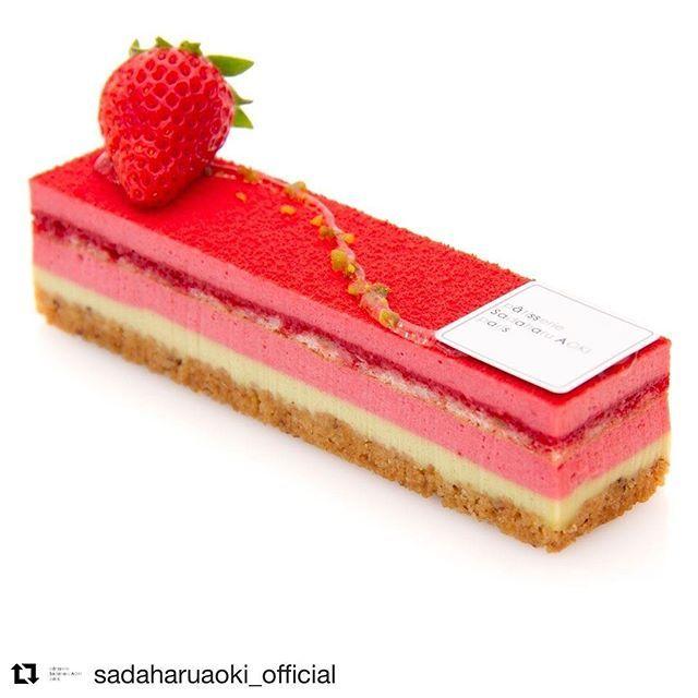 #Repost @sadaharuaoki_official (@get_repost) ・・・SAYA fraise pistache 芸術的な美しさのケーキ「サヤ」 . 見た目のビビッドな色合いからは想像できないほど 優しくまろやかな味わい。ピスターシュのクレームと サブレノワゼットをクレームフレーズが優しく包みます。休日の自分へのご褒美にいかがですか? #sadaharuaoki #サダハルアオキ #デザート #デセール #dessert  #paris #パリ #instasweets #スイーツ #インスタスイーツ#スイーツ部 #sweets #lovesweets #カフェ部 #かわいい#sweetstime#lovecake #ケーキ#いちごケーキ #いちご #サヤ #フランス洋菓子#cakestagram #instacake #パティストリー #ケーキホリック #ケーキ好き #instafood #teatimesadaharu_aoki