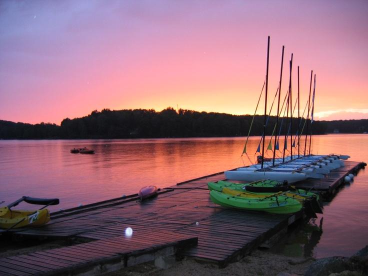 Coucher de soleil sur le lac des Settons!