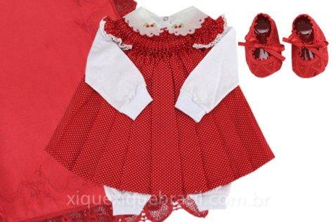 Vestido com bordado Casinha de abelha para saída maternidade (vestido infantil vermelho com pagão e sapatinho vermelho). Para enxoval de bebê! Clique na foto e saiba mais! Foto: loja virtual Xique Xique Brasil