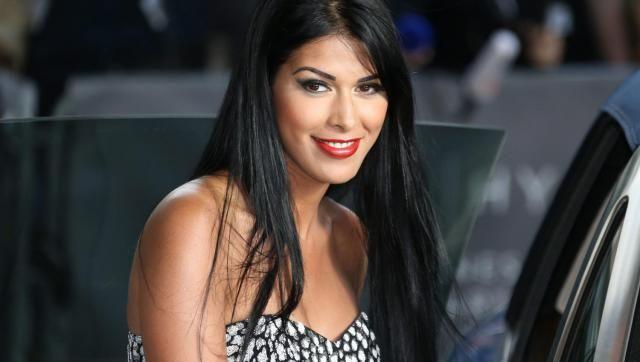 Ayem Nour enceinte : Une nouvelle photo sème le doute !