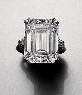 Famous Royal Jewels Princess Soraya Diamond engagement ring (22.37 carats) Harry Winston 1950