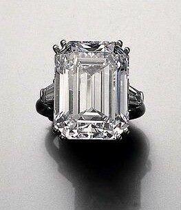 La pieza más codiciada. El anillo de compromiso de Soraya, realizado en 1950 por Harry Winston. Consta de un diamante de 22,37 quilates engarzado en platino.