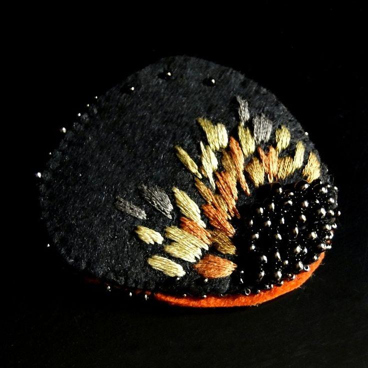 peony mustard  brooch (sprzedawca: agat.handmade), do kupienia w DecoBazaar.com
