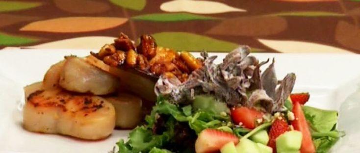Ensalada de Jamaica con callo de hacha aromatizado con aceite de chile de árbol y romero