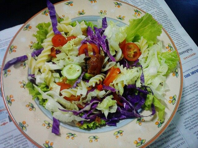 Simple salad for dinner #salad #food #dinner