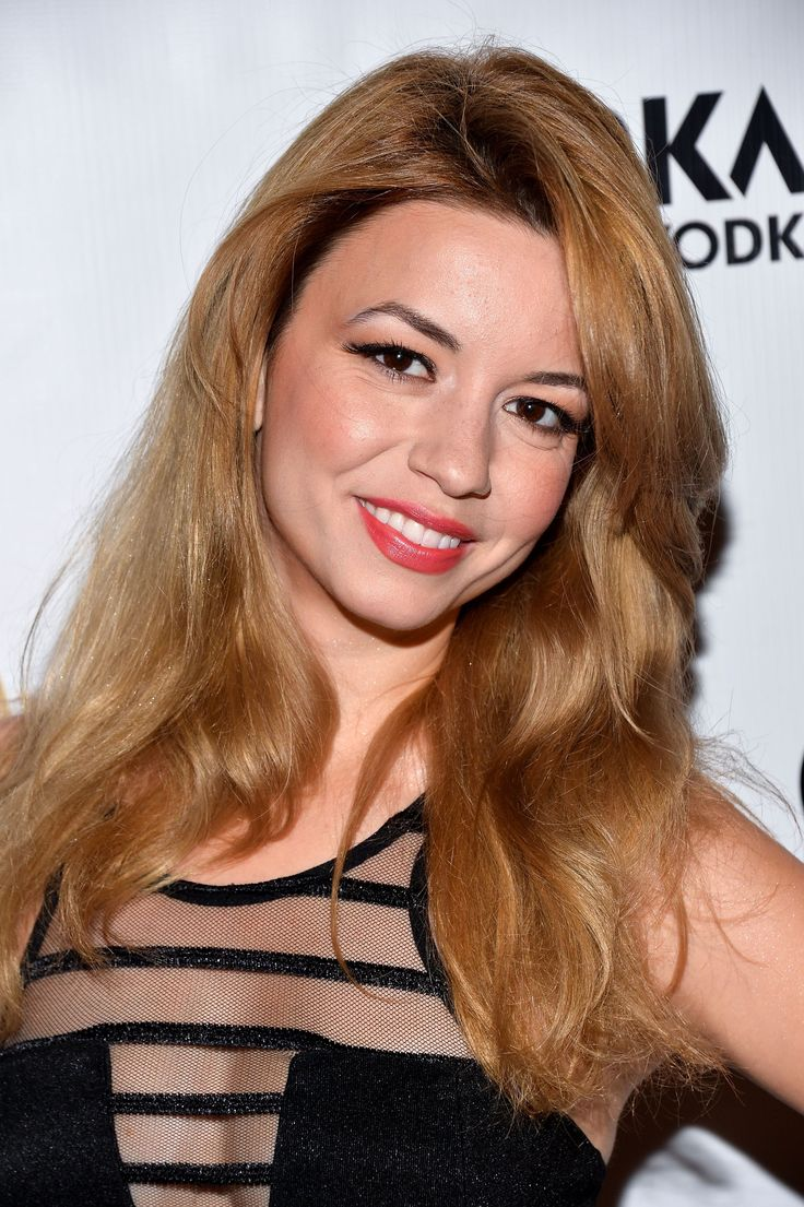 masiela lusha cleavage at the genlux magazine release