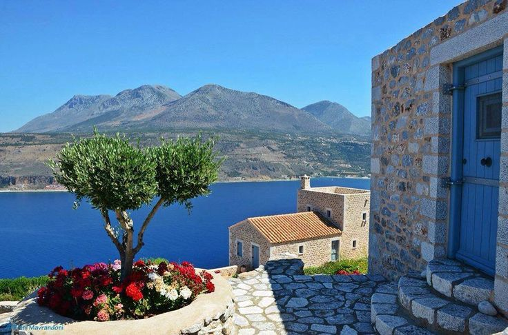 Lakonia, Peloponnese, Greece (via Amazing photos in Greece)