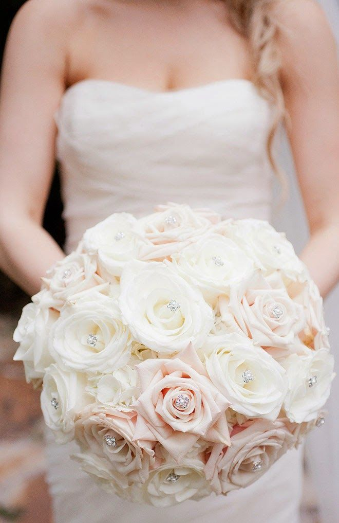 Featured Photographer: Captured Photography by Jenny; Beautiful wedding bouquet ideas