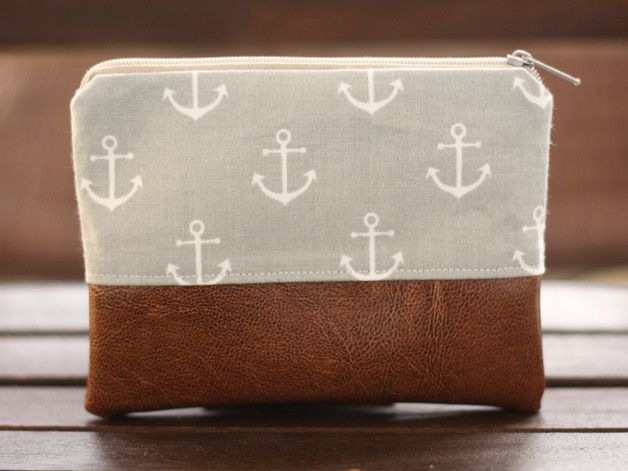 Süße maritime Kosmetiktasche mit Ankern und Leder / cute makeup bag with anchors and leather made by  Fadenmädchen via DaWanda.com