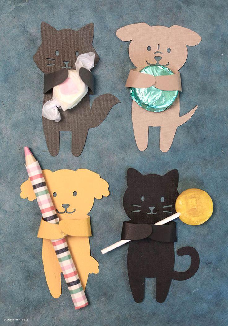 FREE Printable Cat & Dog Treat Huggers