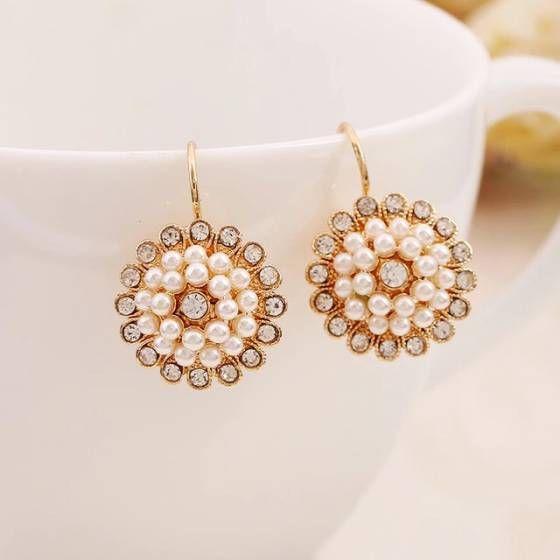Pearl Flower Earring   Shopo.in