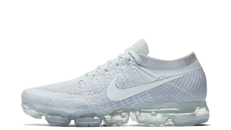 The Nike Air VaporMax pays off the full promise of Air — to provide lightweight, consistent cushioning that lasts.
