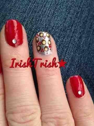 IrishTrish Nails: Ohio State Nail art. Love the lil buckeyes. So cute