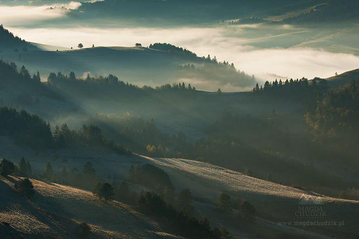 Sunrise in the Pieniny Mountains, Slovakia, photo by Magda Chudzik | www.magdachudzik.pl | https://www.facebook.com/chudzikmagda