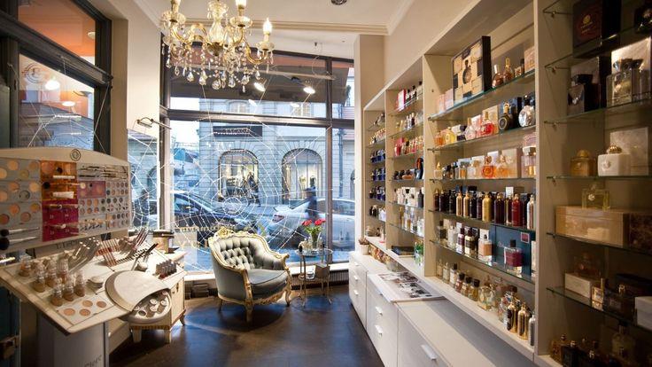 Perfumeria Quality /  Bazar Poznański,  ul. Paderewskiego 7 #poznań #perfumeria #quality