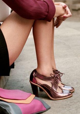 lace up pumps