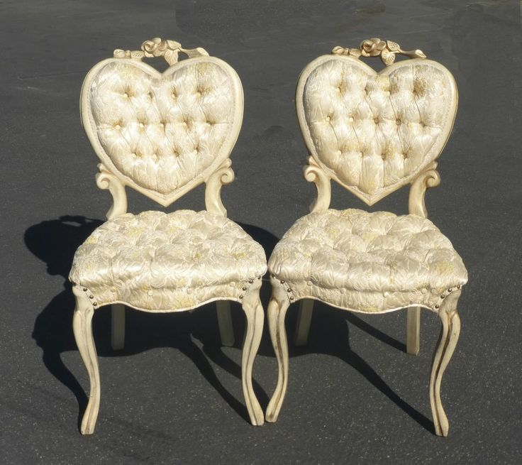 Charming Vtg French Tuft White HEART Shaped ACCENT CHAIRS Silk Brocade  HOLLYWOOD REGENCY