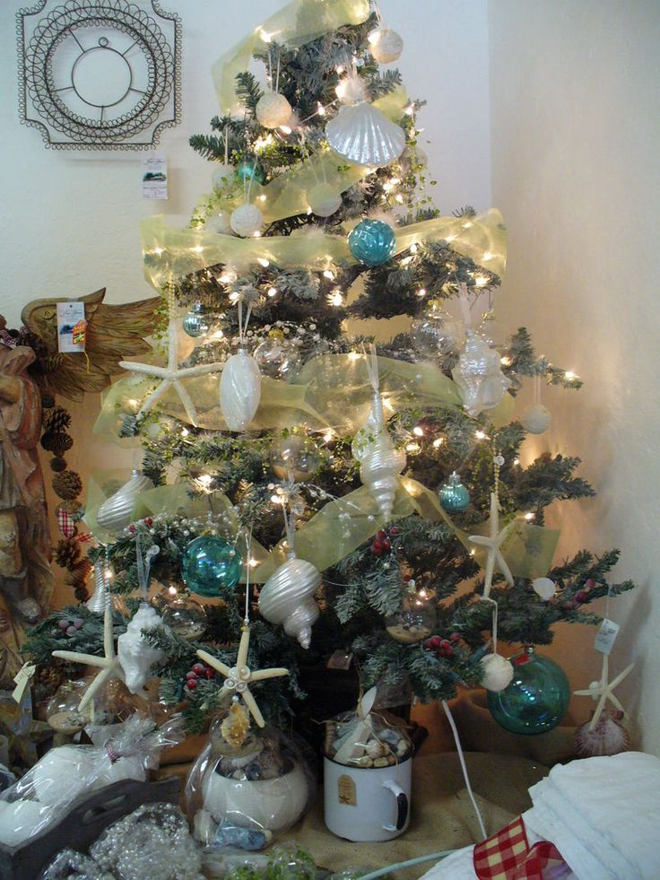 25 Coastal Christmas Holiday Trees Inspired By The Sea. Beach Christmas  Trees, Themed ...