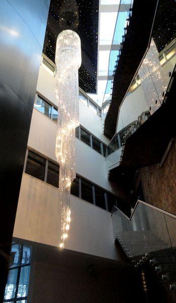firma Vangelis Chandeliers www.VangelisChandeliers.com Wnętrza użyteczności publicznej - Realizacje