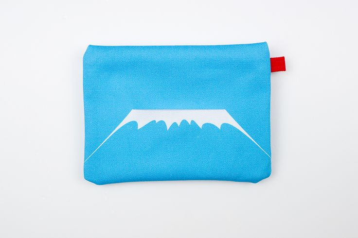 'case 3776' brings the majestic mount fuji to your tissue pouch