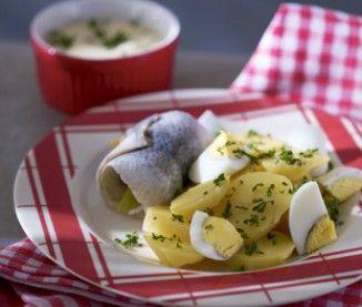 Salade de pomme de terre aux œufs durs