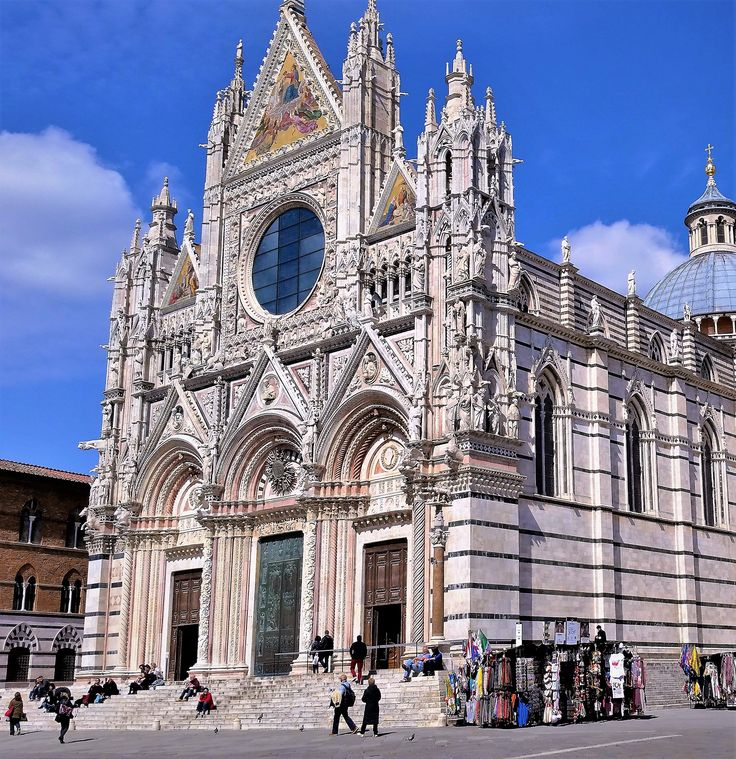 Great renaissance architecture of Sienna, Italy!