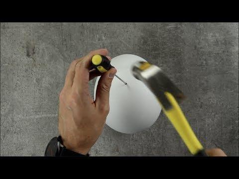 Man befüllt einen Luftballon mit Gips, schwenkt ihn umher & zieht ihn am nächsten Morgen ab. Dann geht es ans Meißeln und Malen, bevor es heiße Finger gibt.