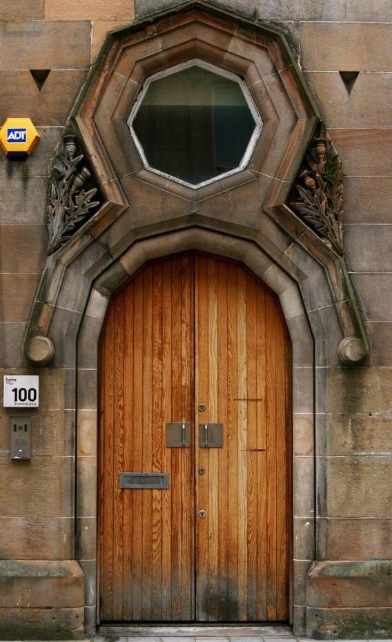 Door   ドア   Porte   Porta   Puerta   дверь   Glasgow, Scotland