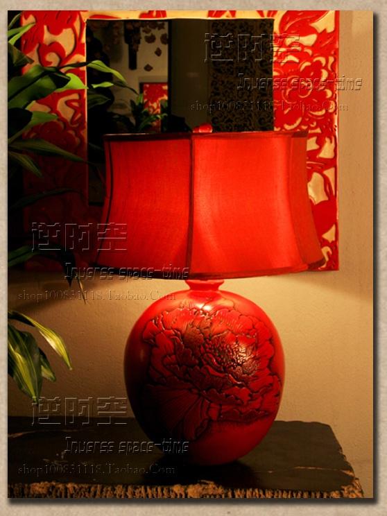 Новые китайские красные классические свадебные настольные лампы моды творческого смолы спальню ночью свет прикроватной лампы искусство освещения настольной лампы - Taobao