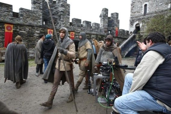Het Gravensteen doet in de televisieserie dienst als het Warwick-kasteel.| Het Nieuwsblad: White Queen lokt Britse toeristen