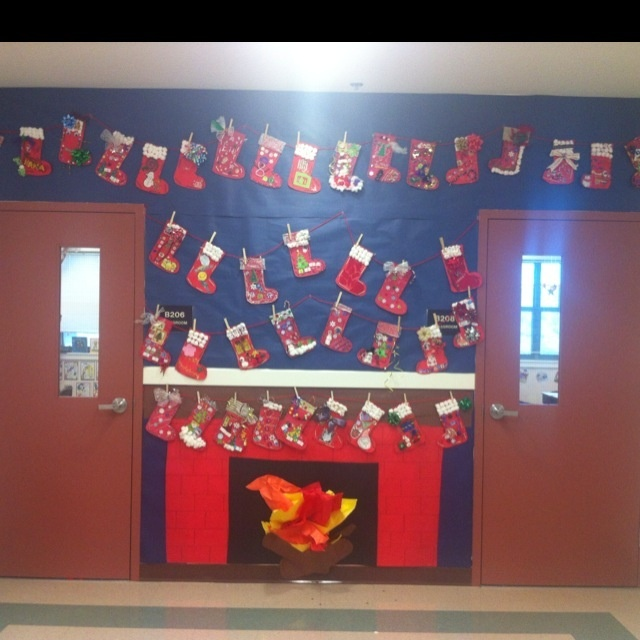 Decorating Classroom For Christmas: 121 Best Classroom Holiday Decorating Images On Pinterest