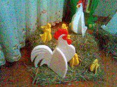 Gallo,gallina y pollito en anime o icopor