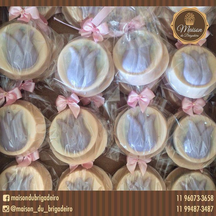 ✨Oreos coberto chocolate branco (tingidos de pêssego e lavanda )✨ Para informações : maisondubrigadeirobr@gmail.com